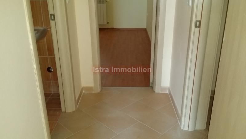 AKCIJA Novi stan u Puli sa tri spavaće sobe 1100 m2