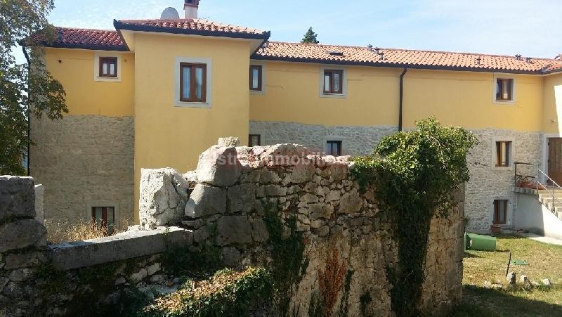 Vila Hotel sa 12 soba restoran mogućnost dogradnje vila i bazena
