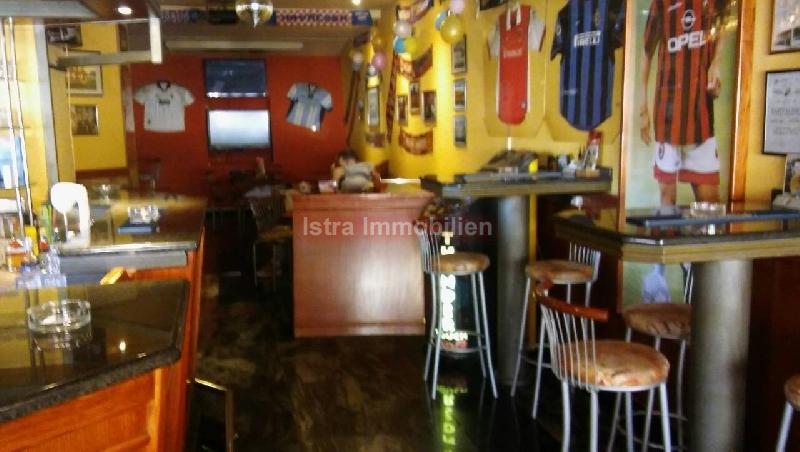 Poslovni prostor caffe bar sa terasom i opremom