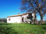 Istra, Marčana, samostojeća kuća sa velikom okučnicom, VELIKI POTENCIJAL