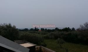 Samostojeća kuća sa dva stana i pogledom na more i Brione.