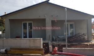 Istra  Barbariga Nove kuće odlične kvalitete na izvrsnoj poziciji.