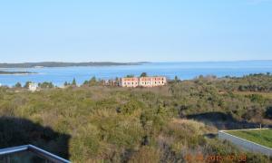 stan Štinjan- apartman sa pogledom na more, 52 m2