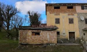 Buzet - stara kamena kuća