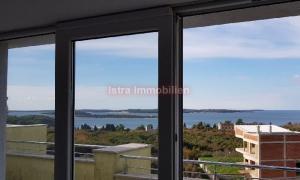STAN  Fažana Štinjan, apartman na 1. katu  s pogledom na more