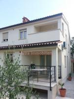 Medulin appartamento Istria, appartamento al piano qualità extra con giardino!